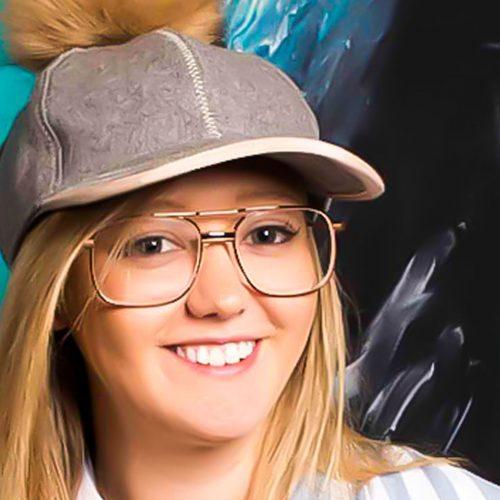 Online resin video with Australian artist Jessica Baker